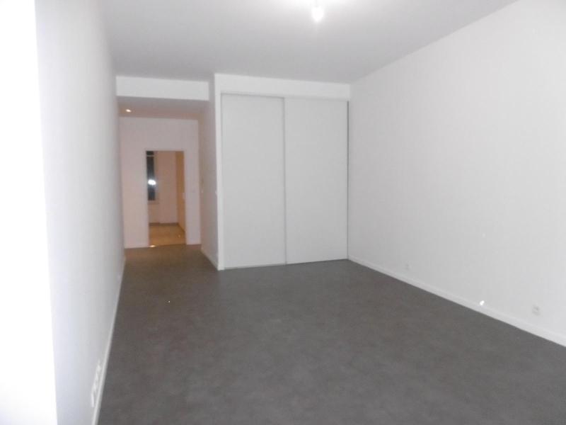 Location appartement Lyon 1er 1192€cc - Photo 2
