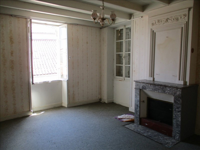 Sale house / villa St jean d angely 75600€ - Picture 3