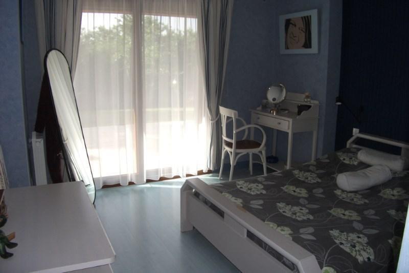Sale house / villa Pont croix 332800€ - Picture 6