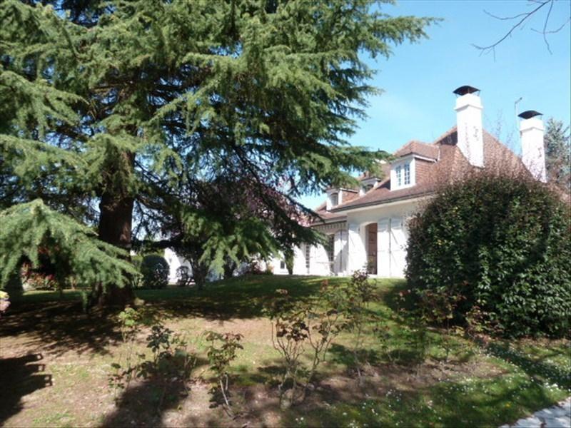 Sale house / villa Bizanos 390000€ - Picture 1