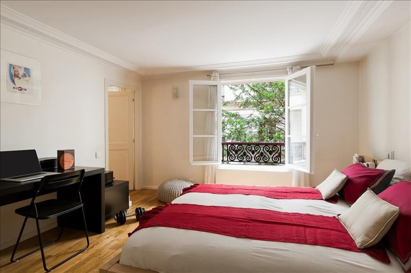 Deluxe sale apartment Paris 6ème 1200000€ - Picture 2