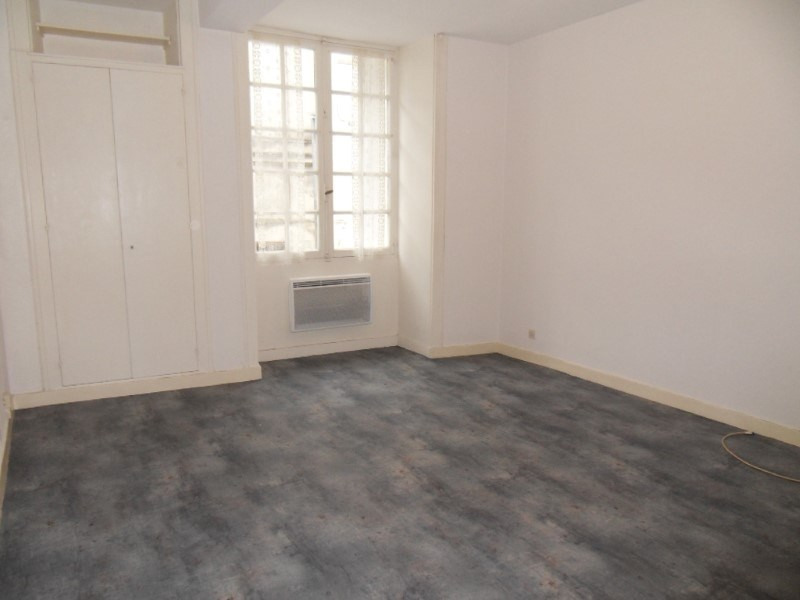 Rental apartment Cognac 280€ CC - Picture 1