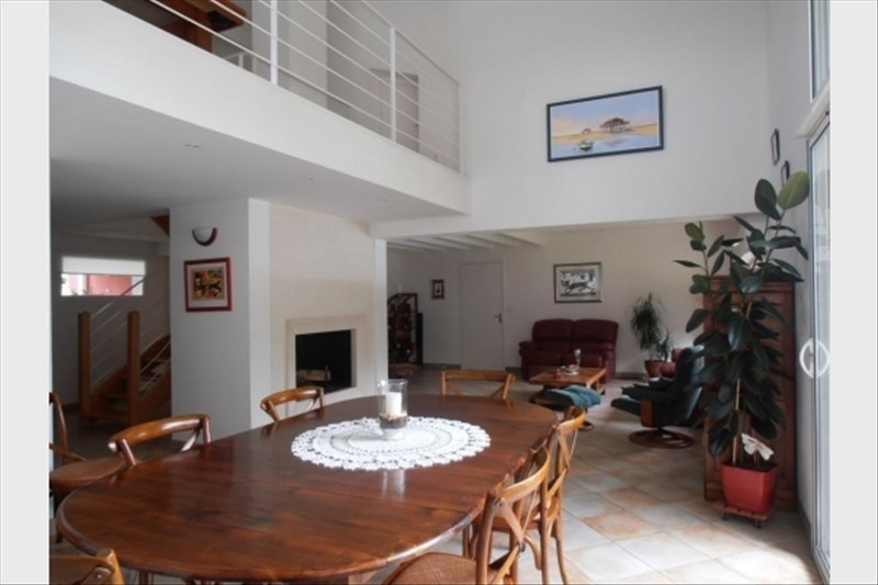 Deluxe sale house / villa Arsac 654900€ - Picture 3