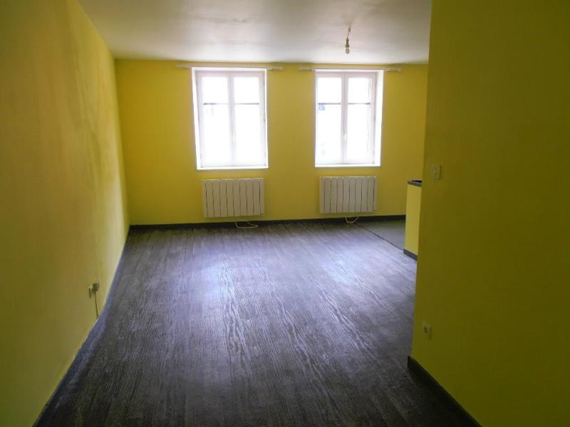 Location appartement Nantua 294€ CC - Photo 2