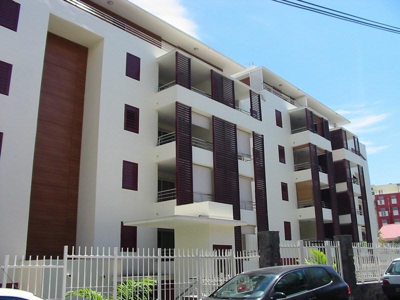 Location appartement St denis 953€ CC - Photo 1