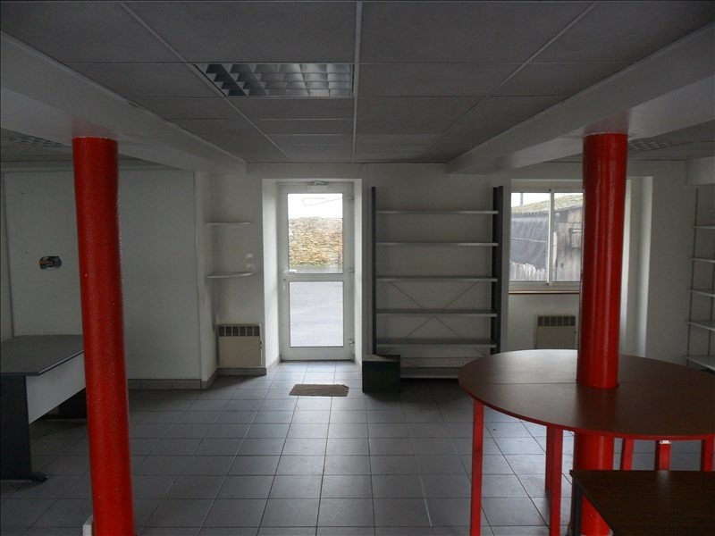 Location local commercial Chateaubriant 350€ +CH/ HT - Photo 1