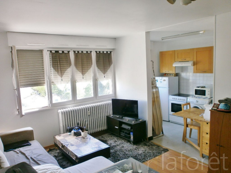 Sale apartment Bourgoin jallieu 82500€ - Picture 1