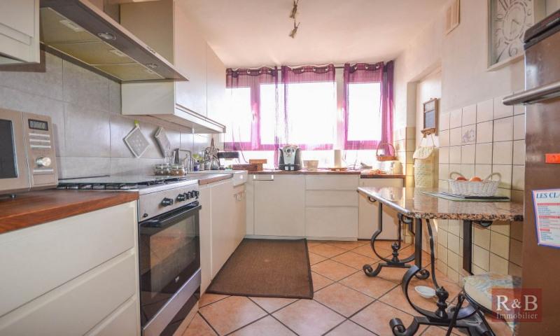 Sale apartment Les clayes sous bois 185000€ - Picture 3