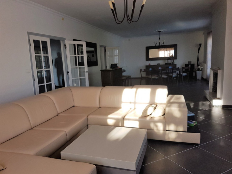 Vente maison / villa Le passage 325 000€ - Photo 4