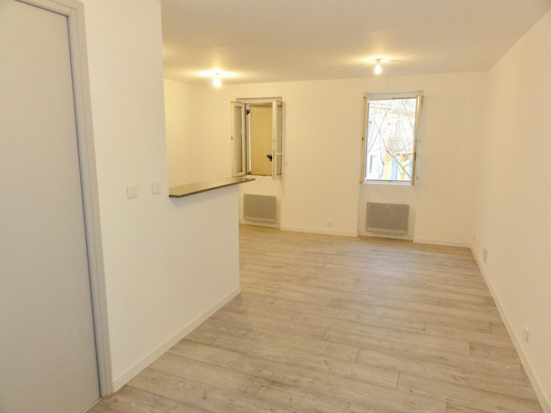 Location appartement Le beausset 550€ CC - Photo 2