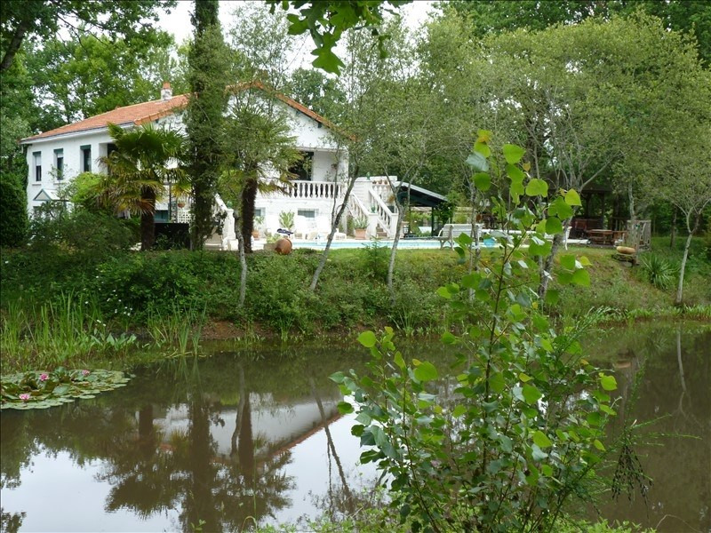 Sale house / villa Les clouzeaux 328600€ - Picture 1