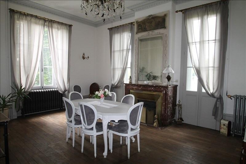 Deluxe sale house / villa Belley 703000€ - Picture 1