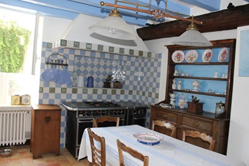 Maison / Villa 400m²  Fleury en Biere 77930 -