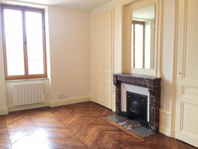 Location appartement Villefranche sur saone 585,17€ CC - Photo 3