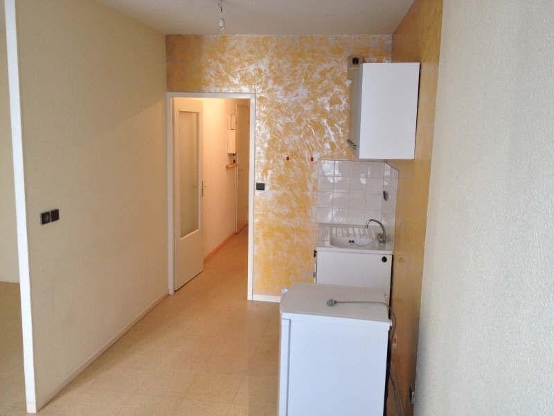 Locação apartamento Voiron 280€ CC - Fotografia 3