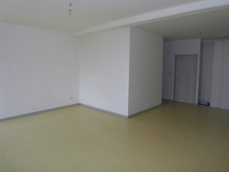Rental apartment Archiac 500€ CC - Picture 2