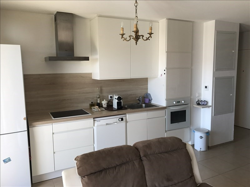 Vente appartement Cuers 215000€ - Photo 2