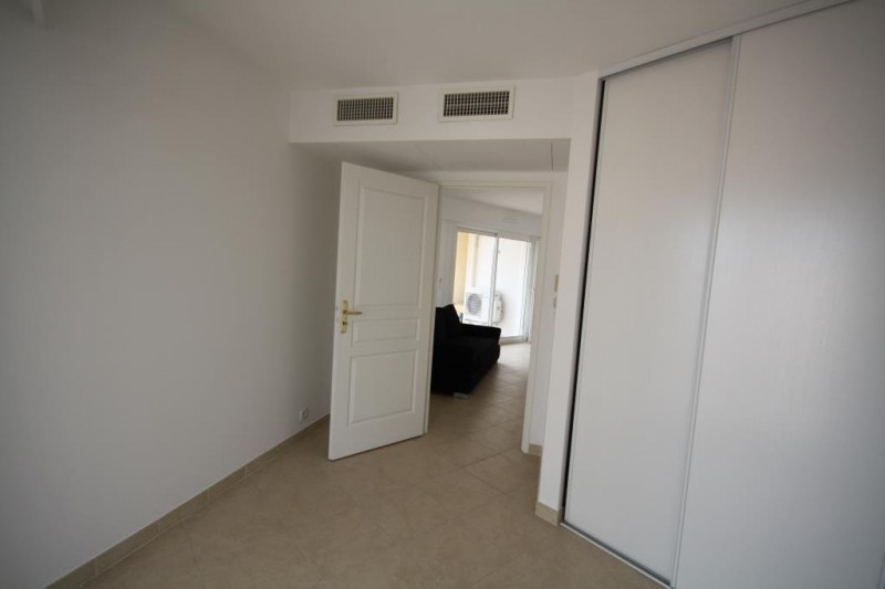 Rental apartment Juan-les-pins 1 290€ CC - Picture 4