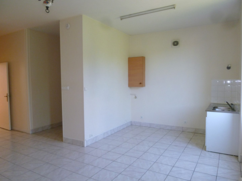 Location appartement Oullins 495€ CC - Photo 3