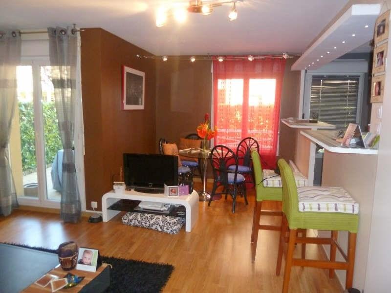 Rental apartment Jouy le moutier 892€ CC - Picture 4