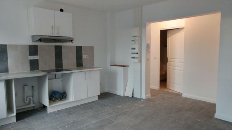 Rental apartment Montlhéry 700€ CC - Picture 2