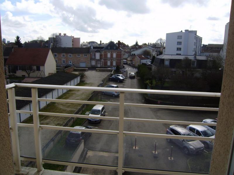 Rental apartment Châlons-en-champagne 395€ CC - Picture 6