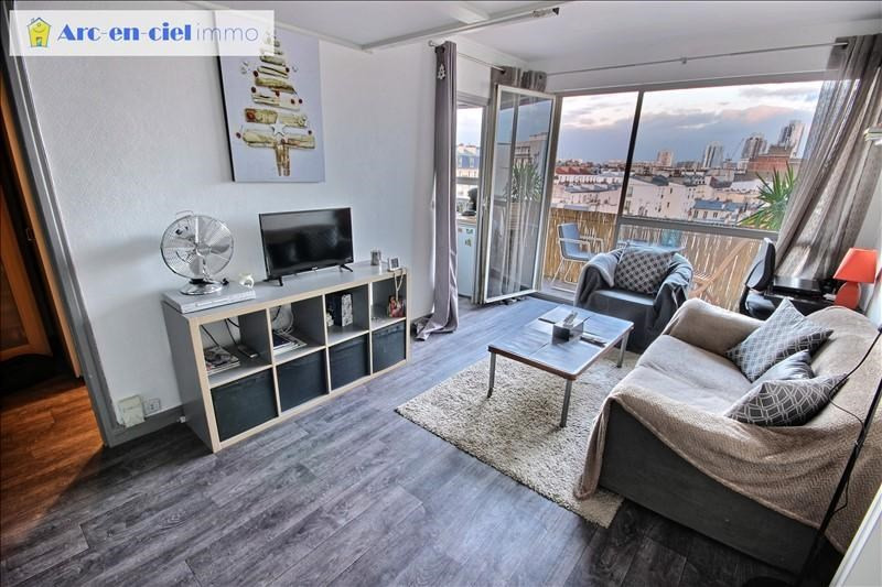 Sale apartment Paris 18ème 217 000€ - Picture 1
