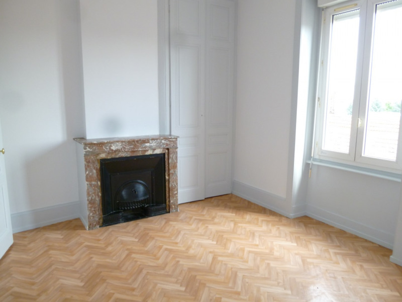 Location appartement Pierre benite 576€ CC - Photo 4