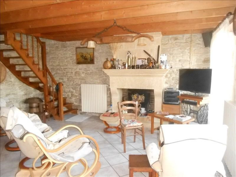 Sale house / villa Loulay 180000€ - Picture 2