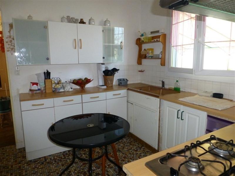 Sale house / villa Saint-jean-d'angély 127200€ - Picture 2