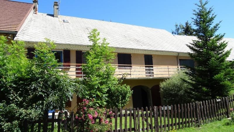 Sale house / villa Poligny 225800€ - Picture 1