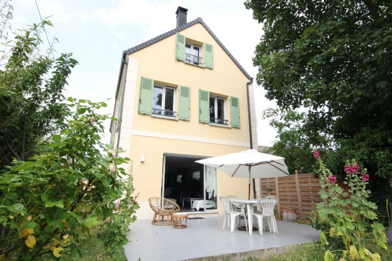 Sale house / villa Chatou 830 000€ - Picture 1