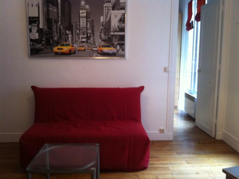 Location appartement Paris 15ème 975€ CC - Photo 1