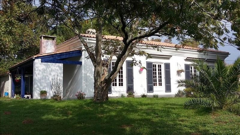 Deluxe sale house / villa Sablonceaux 295400€ - Picture 1