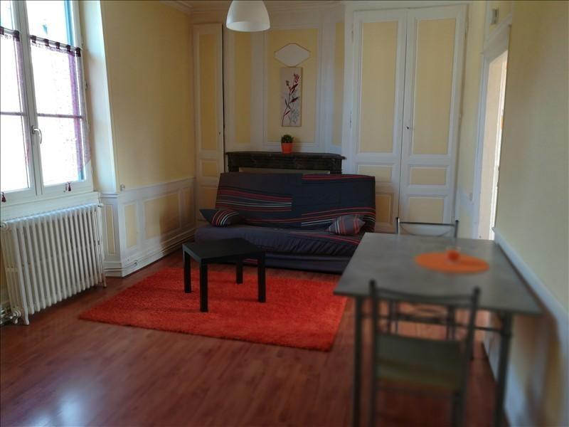 Location appartement Chateau renault 375€ CC - Photo 1