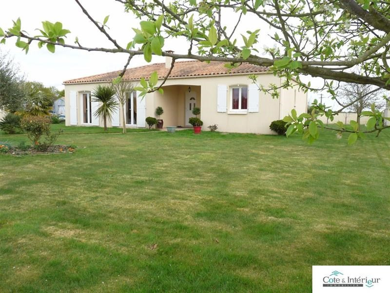 Sale house / villa Poiroux 238 000€ - Picture 1