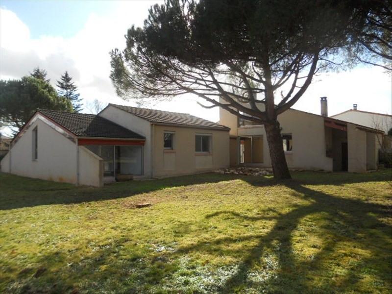 Sale house / villa St romain de benet 284000€ - Picture 3