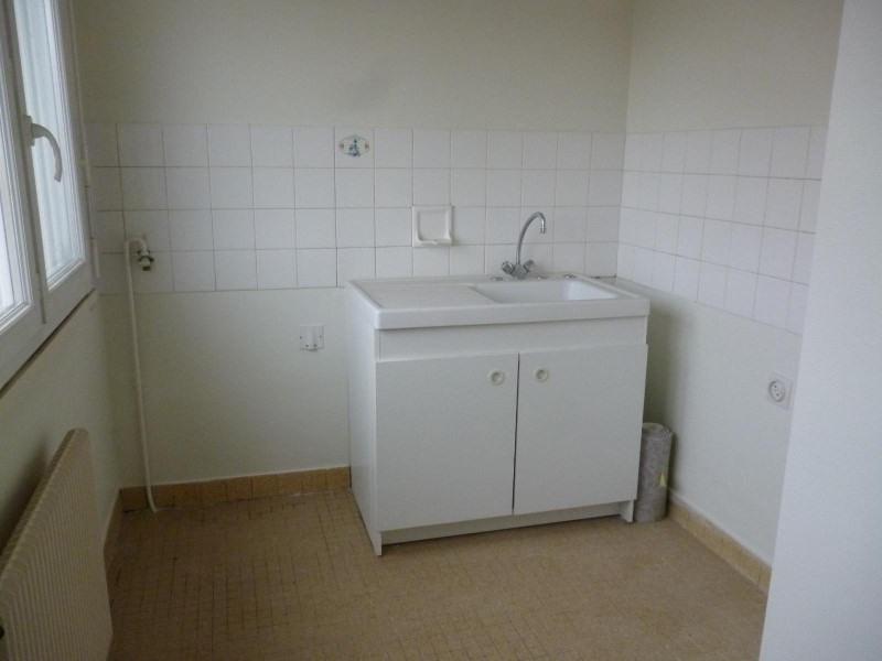 Location appartement Le coteau 317€ CC - Photo 2