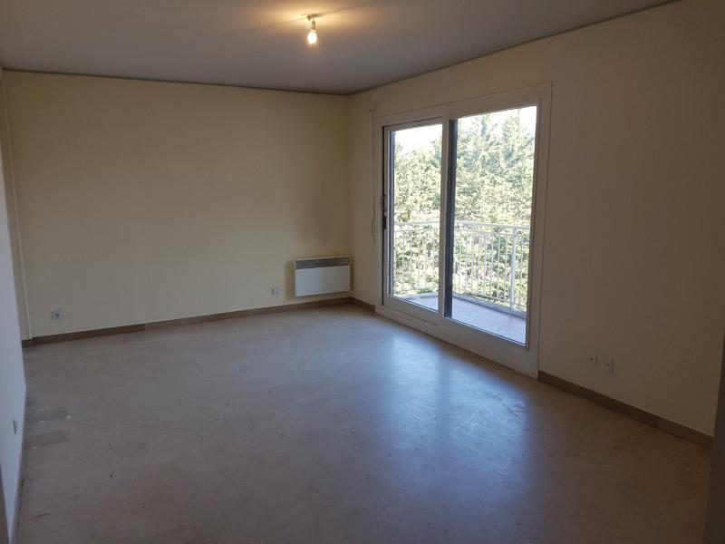 Rental apartment Aix-en-provence 856€ CC - Picture 1