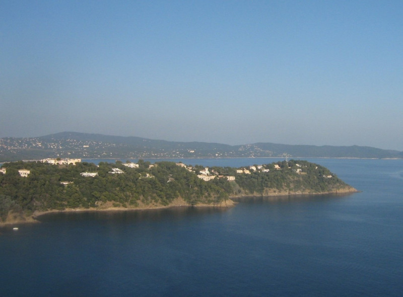 Vacation rental house / villa Cavalaire sur mer 3 500€ - Picture 4