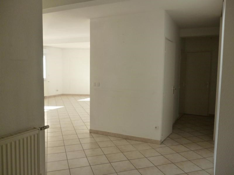 Rental apartment Roanne 839€ CC - Picture 2