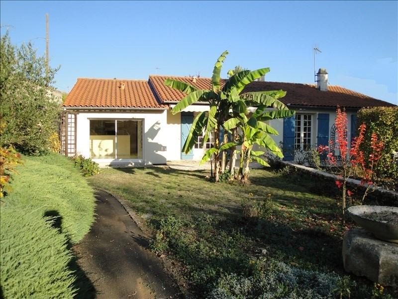 Deluxe sale house / villa Niort 240000€ - Picture 1
