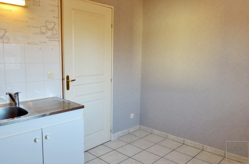 Location appartement Sathonay camp 600€ CC - Photo 3