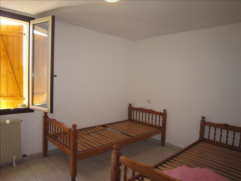 Rental apartment Coux et bigaroque 608€ CC - Picture 4