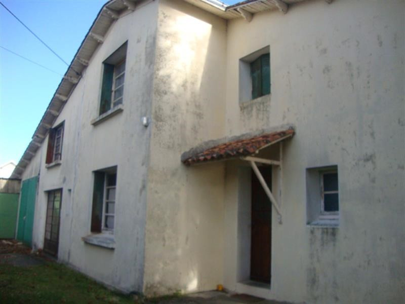 Sale house / villa Saint-jean-d'angély 64500€ - Picture 3