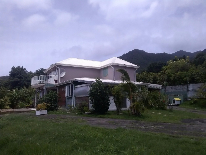 Investment property house / villa Trois rivieres 390000€ - Picture 2