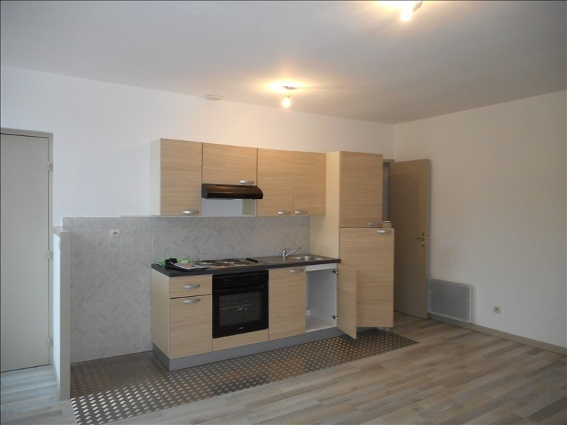 Locação apartamento Voiron 556€ CC - Fotografia 1
