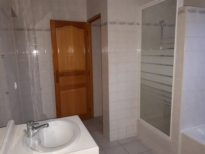Location maison / villa Castres-gironde 720€ CC - Photo 11
