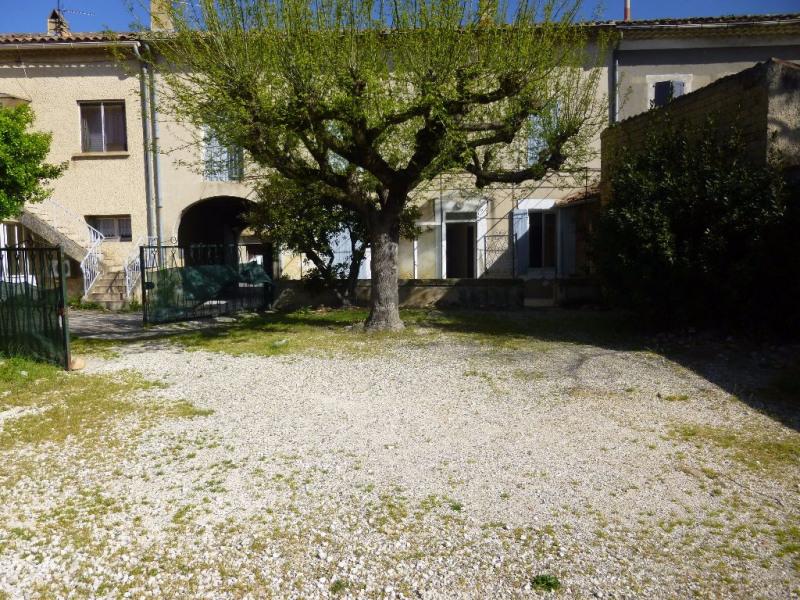 Location maison / villa Entraigues sur la sorgue 862€ CC - Photo 1