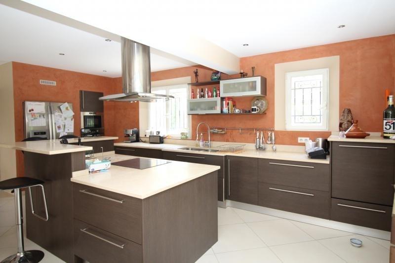 Deluxe sale house / villa Merindol 599000€ - Picture 3